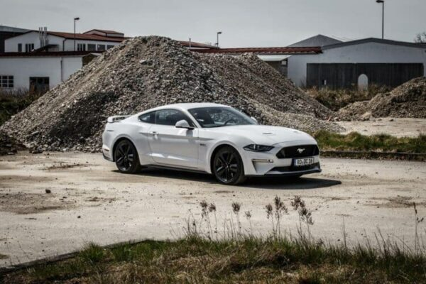 rent a ford mustang gt in munich