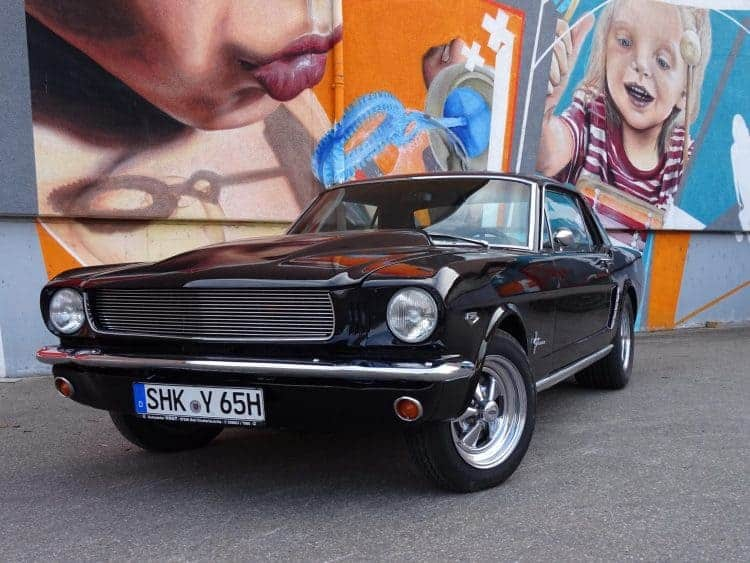 rent a ford mustang classic car