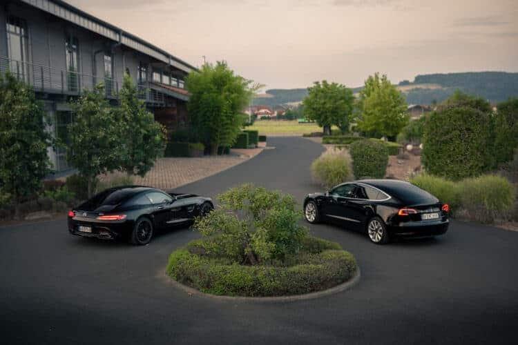 Rent a Tesla Model 3 Performance in Frankfurt - DRIVAR ...