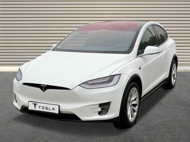 Rent a Tesla Model X in Sachsen