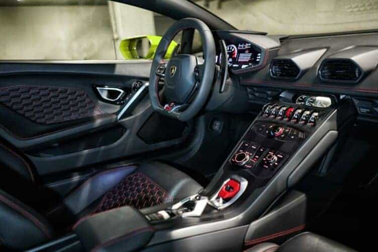 Rent a Lamborghini Huracan LP-610 in Frankfurt 1