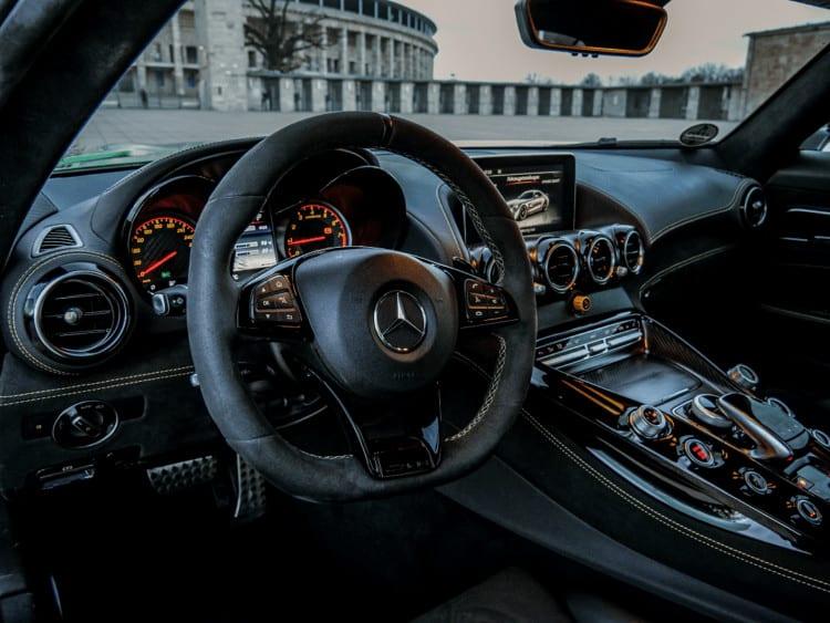 Rent an Mercedes AMG GT R 3
