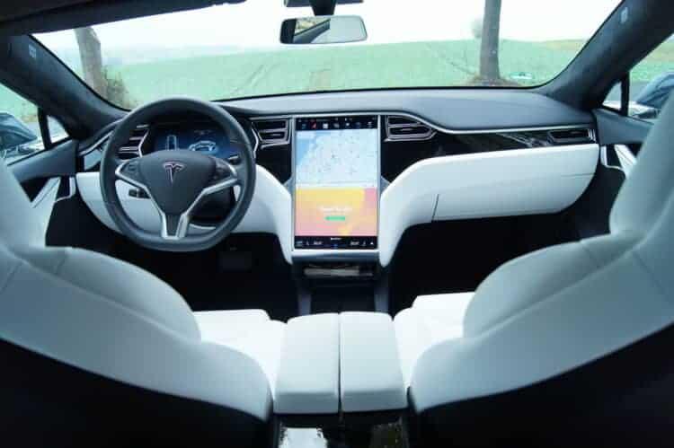 rent a Tesla model s 75 in Münster