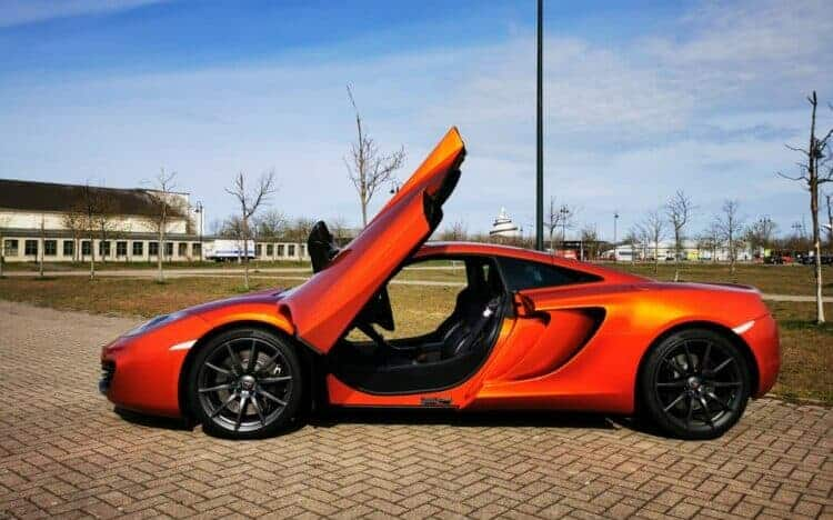 Rent a McLaren MP4-12C in Magdeburg