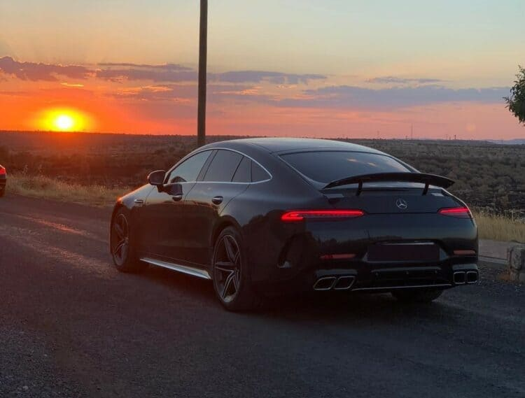 Rent a Mercedes AMG GT 63S in Hannover