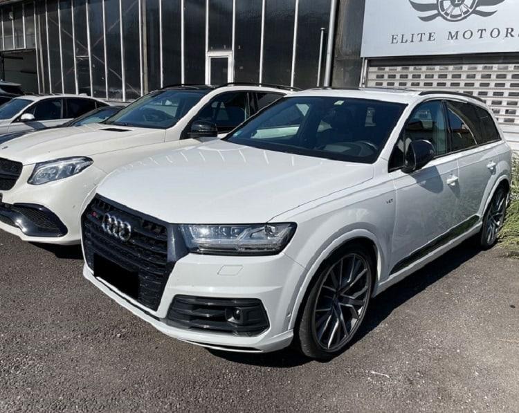 Rent an Audi SQ7 in Stuttgart