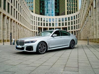 Rent a BMW 745E in Frankfurt