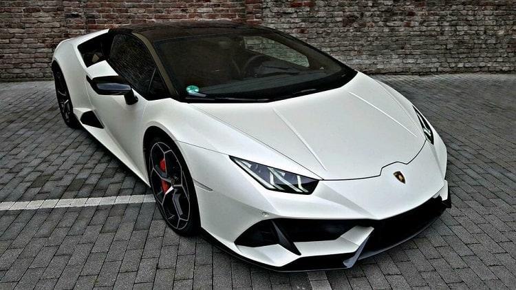 Rent a Lamborghini Huracan Evo in Dortmund