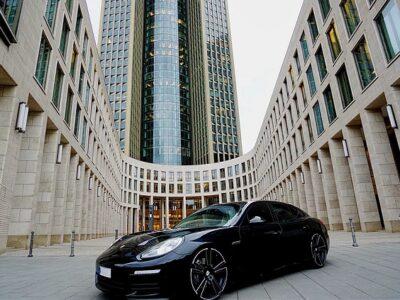 Rent a Porsche Panamera Diesel in Frankfurt