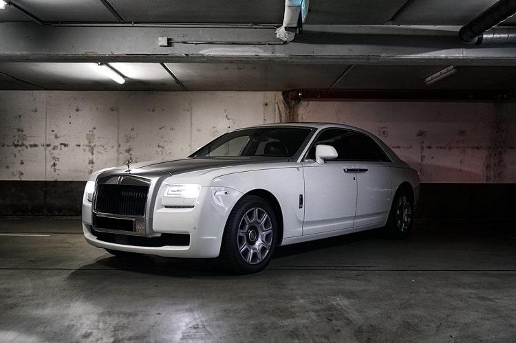 Rent a Rolls Royce Wraith in Frankfurt