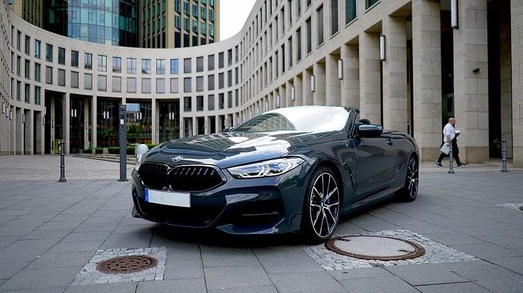Rent a BMW M850i in Frankfurt