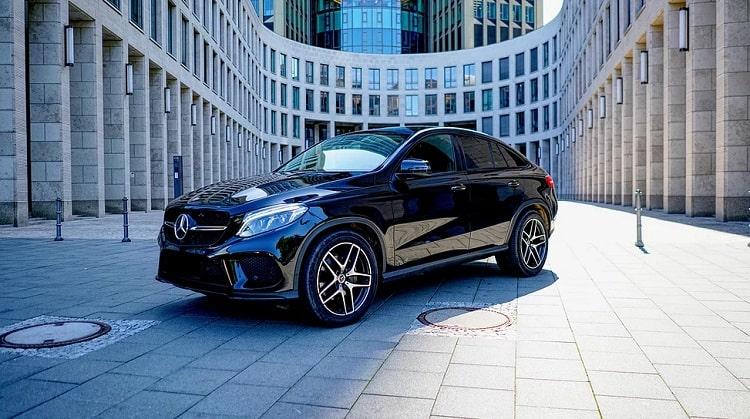 Rent a Mercedes GLE 350d in Frankfurt