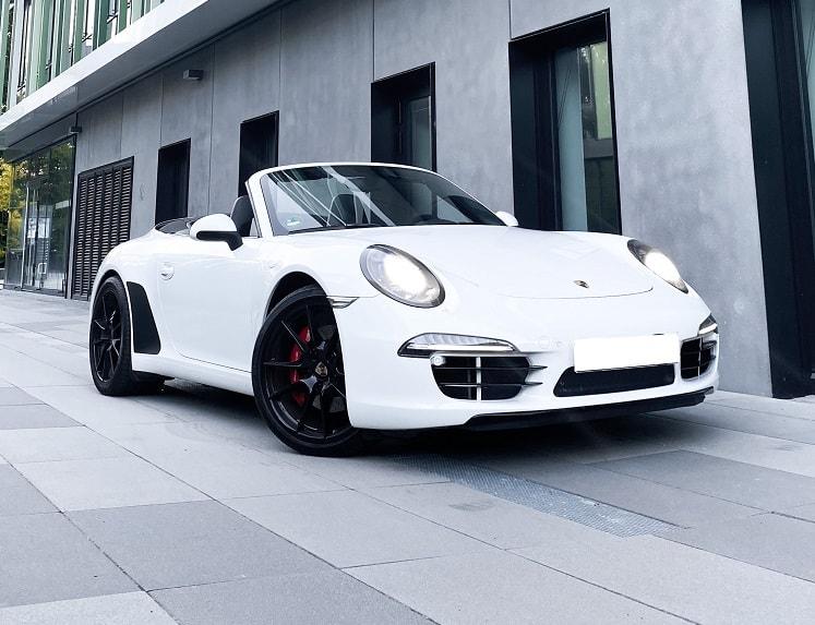 Rent a Porsche 911 Convertible in Frankfurt